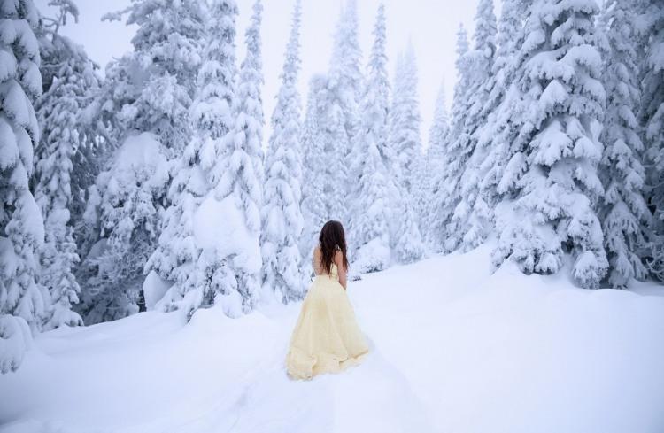 Фото прикол  про зиму та дівчат