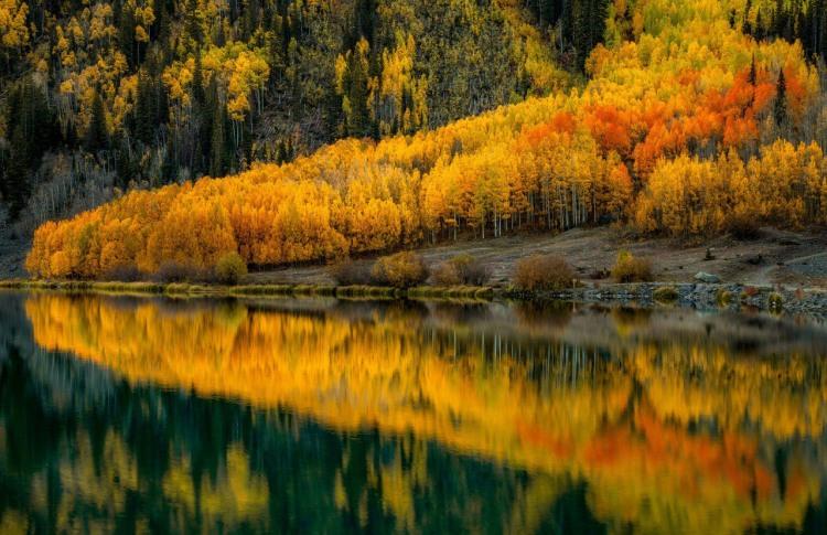 Фото прикол  про осінь та озеро