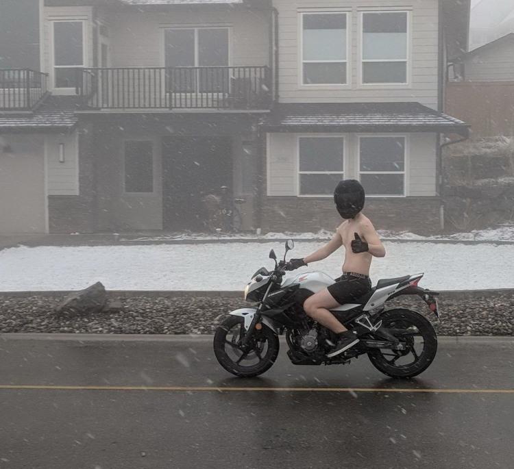 Фото прикол  про мотоциклістів