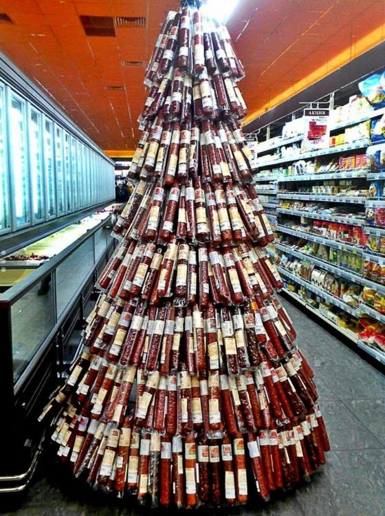 Фото прикол  про ялинку, ковбасу та новий рік
