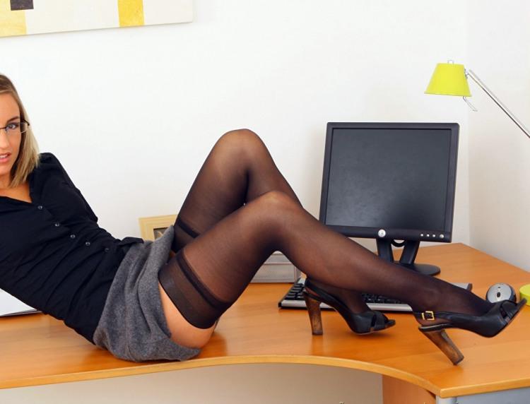Фото прикол  про секретарку вульгарний