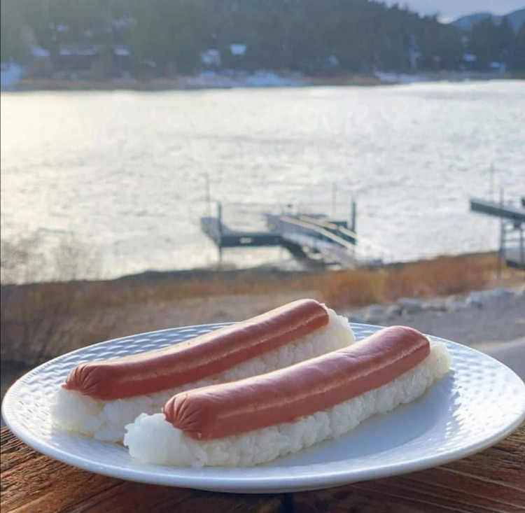Фото прикол  про сосиски та суші