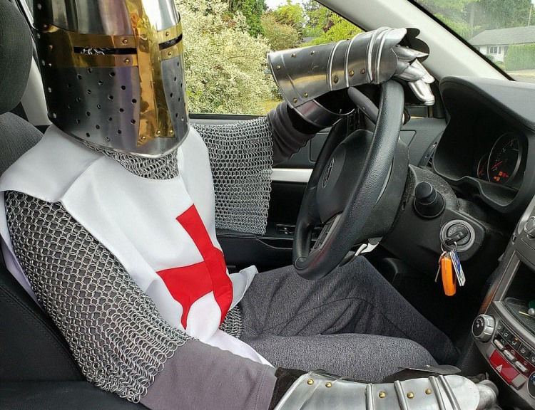 Фото прикол  про лицарів та водіїв
