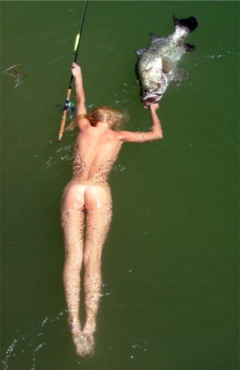 Фото прикол  про білявок, роздягнених людей, риболовлю вульгарний