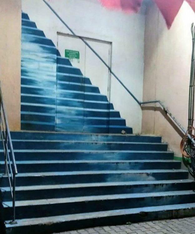 Фото прикол  про сходи