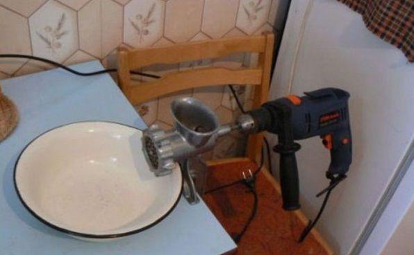 Фото прикол  про приготування їжі та перфоратор