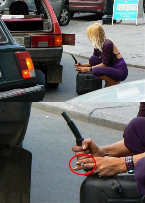 Фото прикол  про жінок за кермом та паління