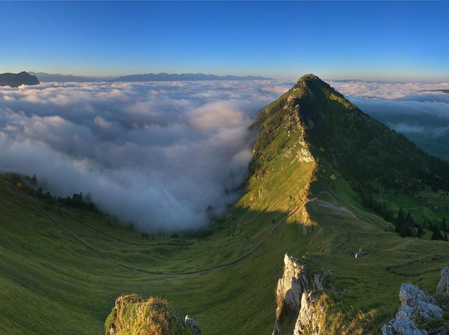 Фото прикол  про гори та хмари