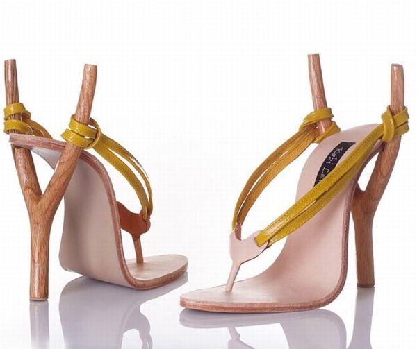 Фото прикол  про взуття та рогатки