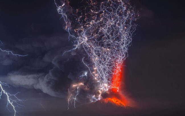 Фото прикол  про вулкани та блискавку