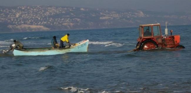 Фото прикол  про трактор та човен