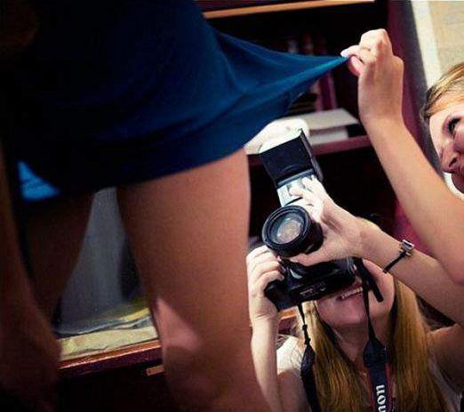 Фото прикол  про фотографів, підглядання вульгарний