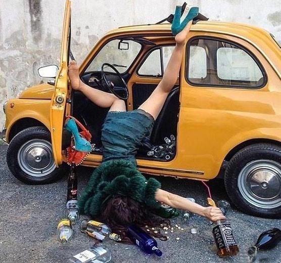 Фото прикол  про жінок за кермом та п'яних